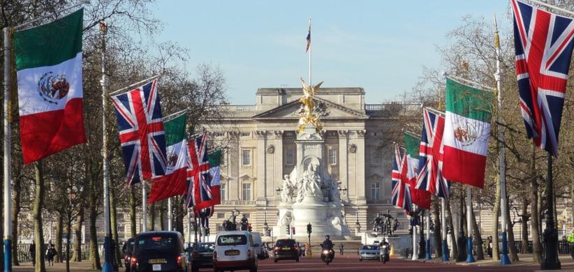 Karalienės rūmai Londone